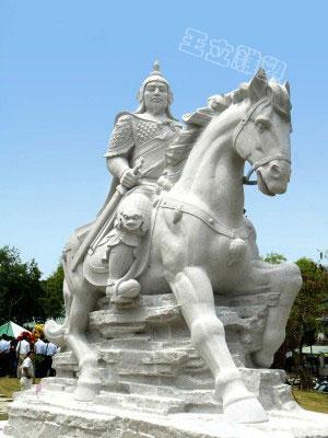 岳飞石雕像