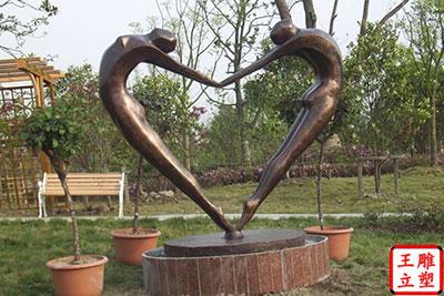 人物抽象雕塑
